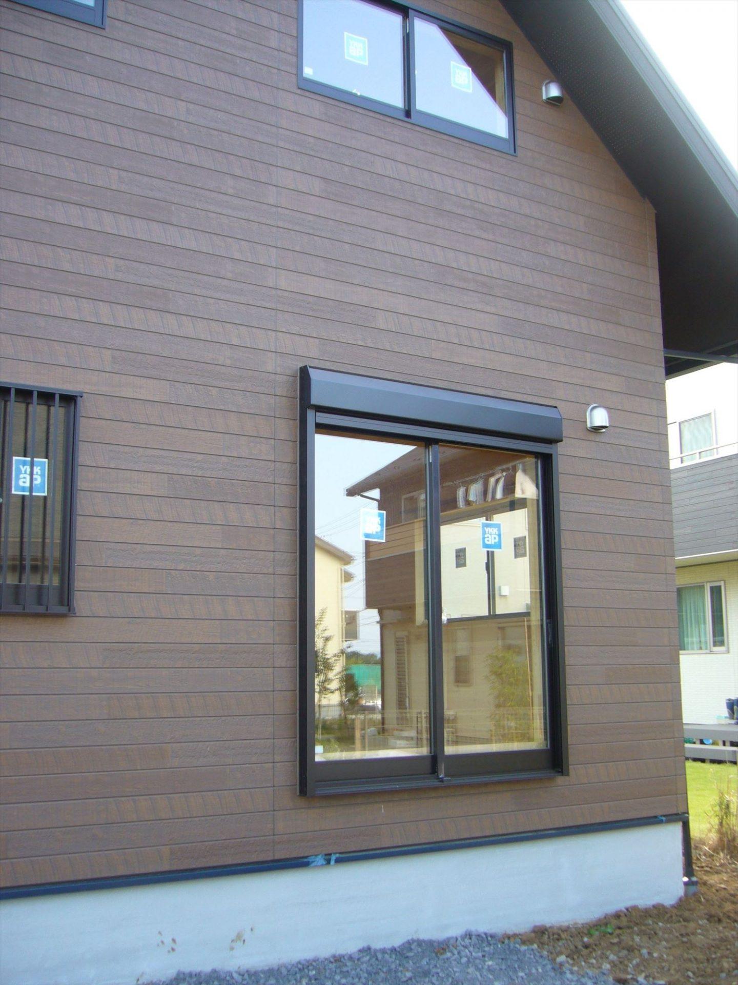ログハウス風デザイン二階建ての外観2|つくば市の注文住宅,ログハウスのような木の家を低価格で建てるならエイ・ワン