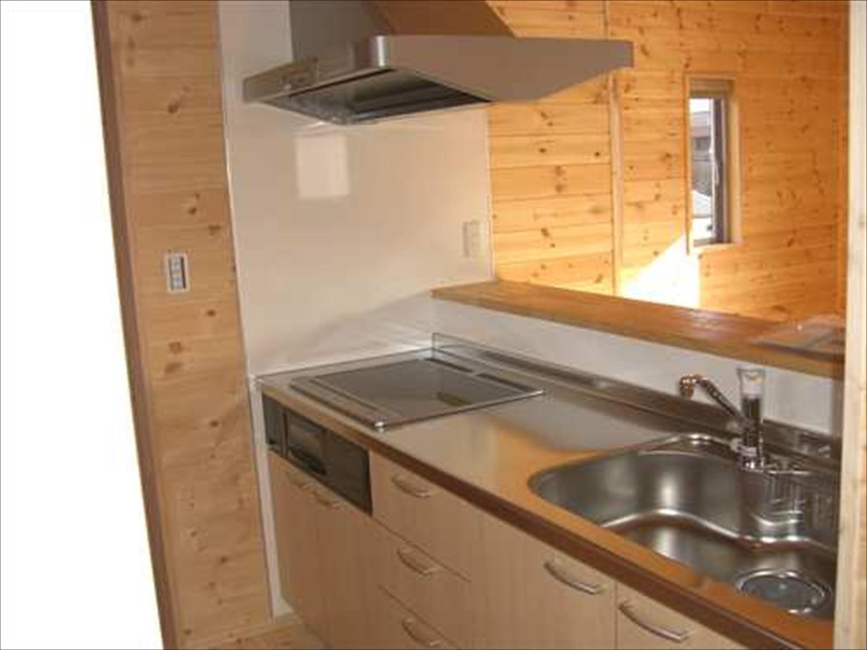 二階建て戸建て賃貸住宅のキッチン|水戸市の注文住宅,ログハウスのような木の家を低価格で建てるならエイ・ワン