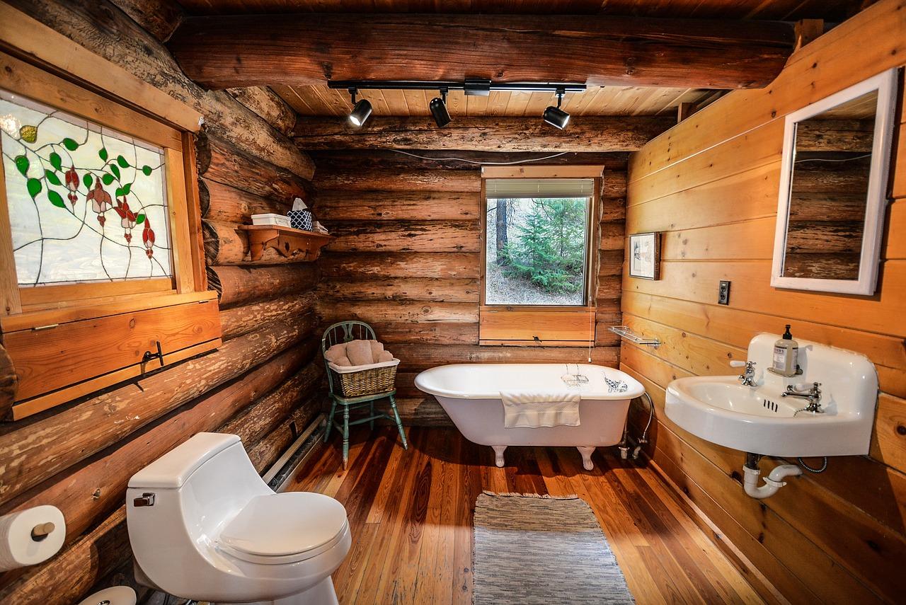 ハンドカットログハウスの浴室
