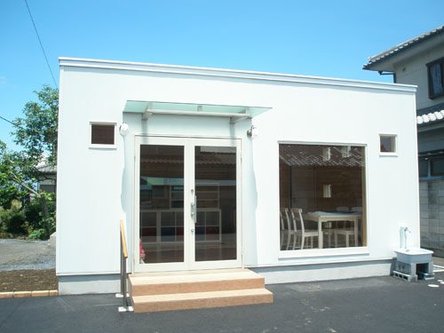 洋菓子店の外観|群馬の注文住宅,ログハウスのような木の家を低価格で建てるならエイ・ワン