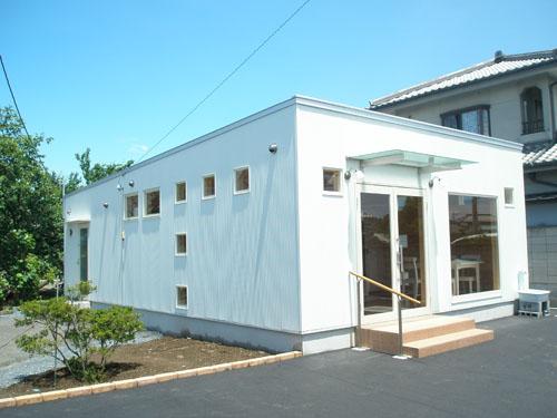 洋菓子店の外観5|伊勢崎市の注文住宅,ログハウスのような木の家を低価格で建てるならエイ・ワン