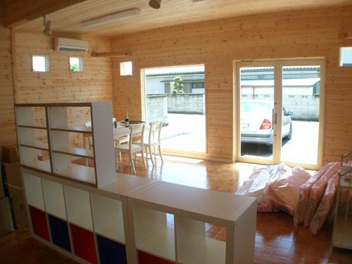 洋菓子店の内装2|伊勢崎市の注文住宅,ログハウスのような木の家を低価格で建てるならエイ・ワン