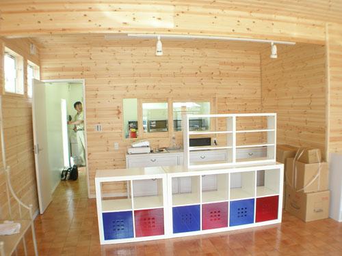 洋菓子店の内装|伊勢崎市の注文住宅,ログハウスのような木の家を低価格で建てるならエイ・ワン