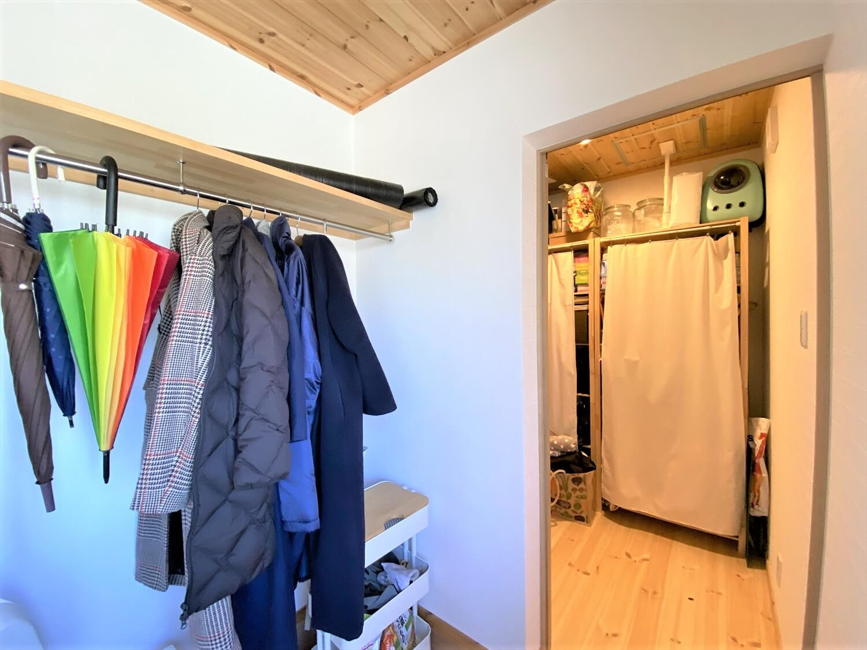 防音室のある平屋の土間スペース|土浦市の注文住宅,ログハウスのような木の家を低価格で建てるならエイ・ワン