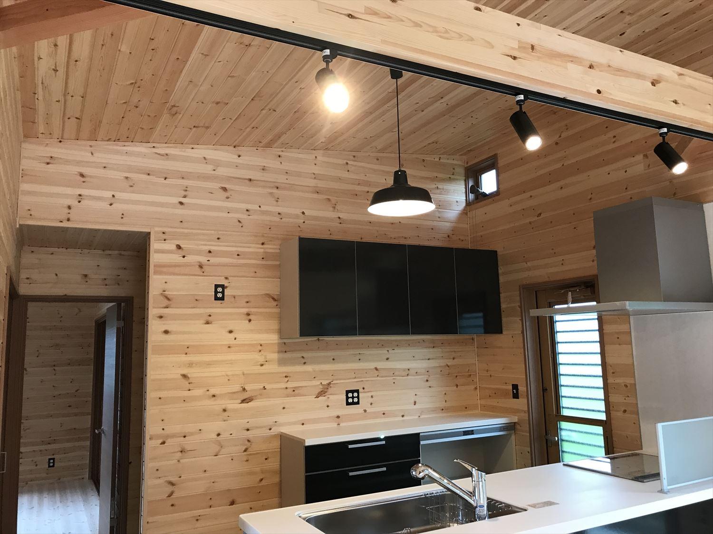 天然無垢材のキッチン