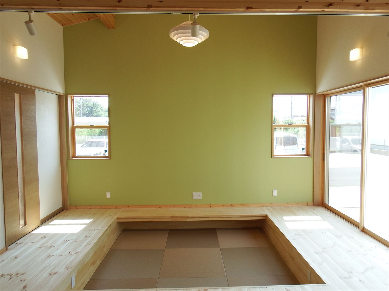 防音室のある4LDK平屋のアクセントクロス|茨城県土浦市の注文住宅,ログハウスのような木の家を低価格で建てるならエイ・ワン
