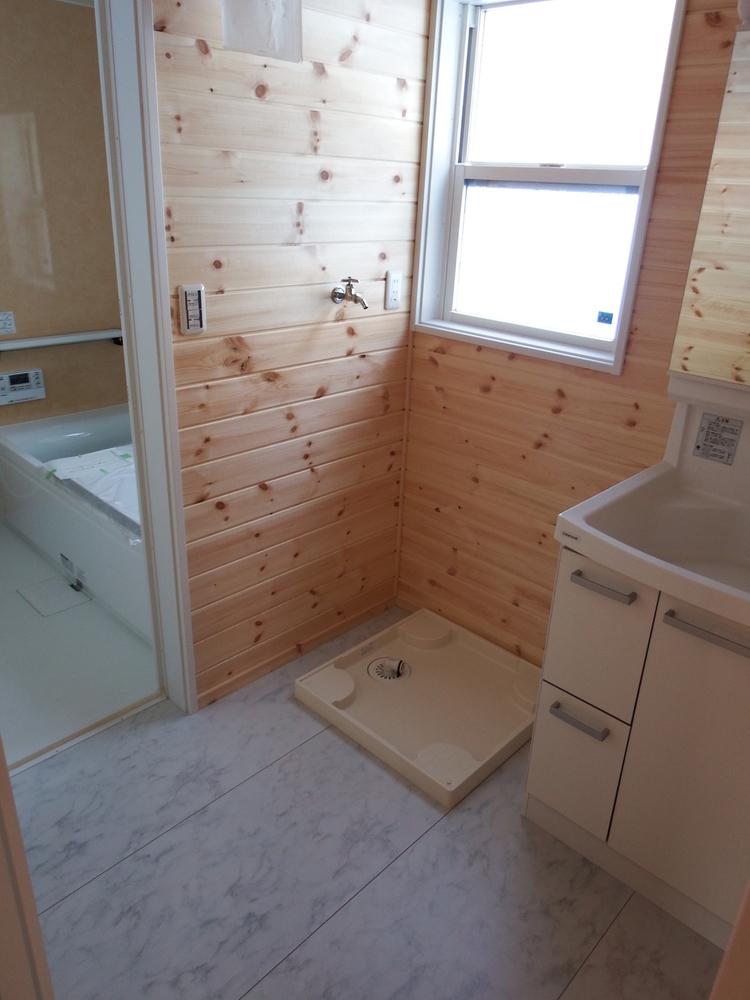3LDK間取りの平屋の洗面室|栃木県鹿沼市の注文住宅,ログハウスのような木の家を低価格で建てるならエイ・ワン