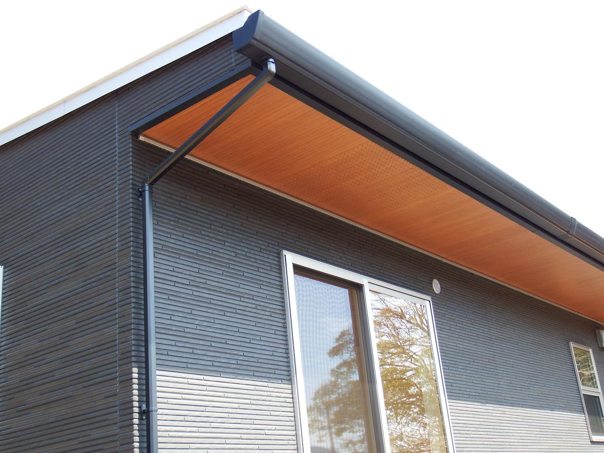 3LDK間取りの平屋の軒天|栃木県鹿沼市の注文住宅,ログハウスのような木の家を低価格で建てるならエイ・ワン