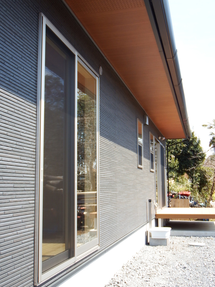 3LDK間取りの平屋の外観4|栃木県鹿沼市の注文住宅,ログハウスのような木の家を低価格で建てるならエイ・ワン