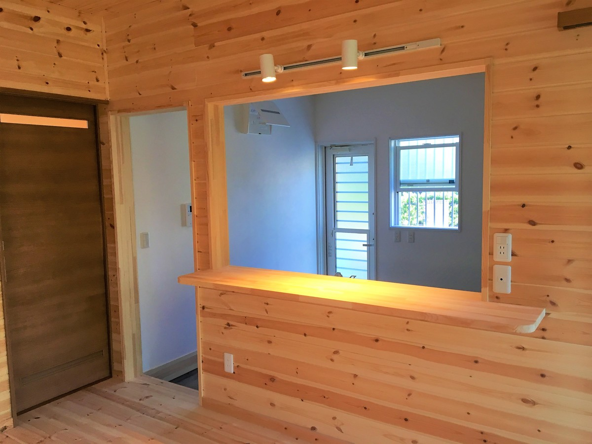 二階建ての土間キッチン4|富津市の注文住宅,ログハウスのような木の家を低価格で建てるならエイ・ワン