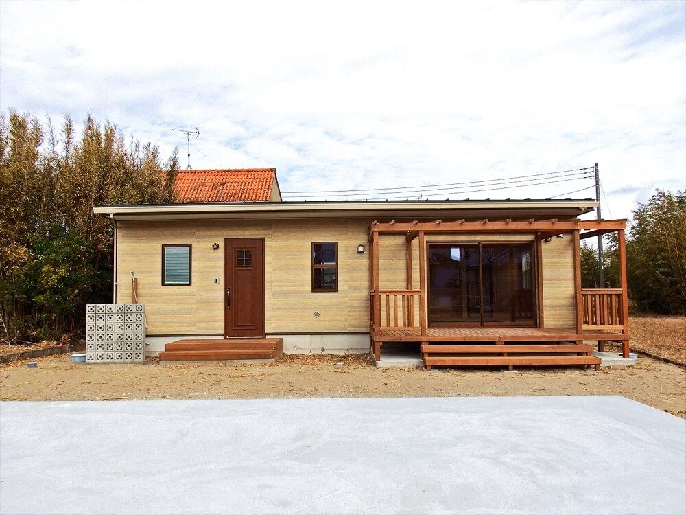 サーファーズハウス平屋の外観|長生村の注文住宅,ログハウスのような木の家を低価格で建てるならエイ・ワン