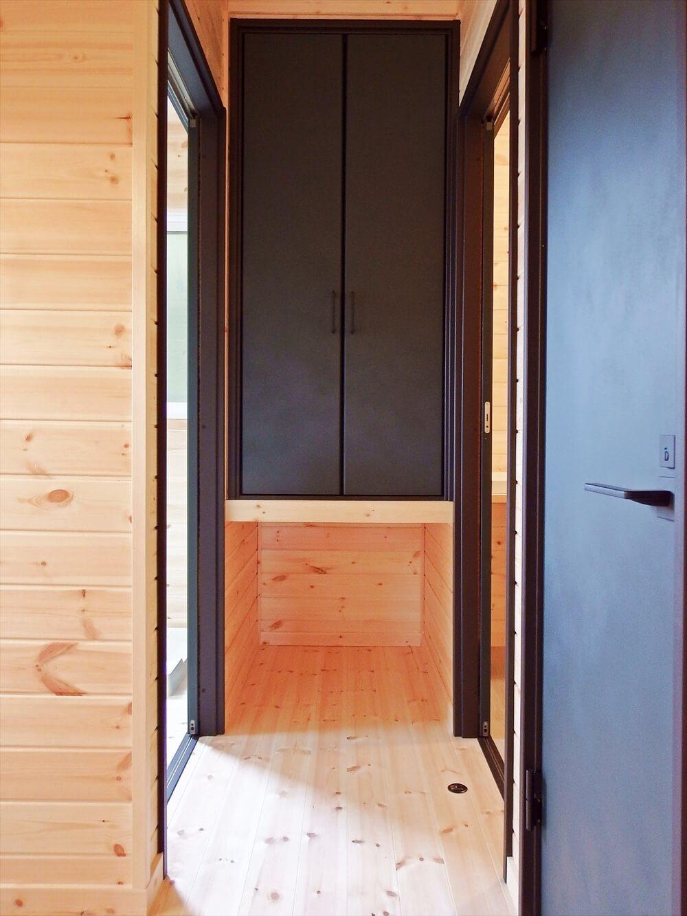 サーファーズハウス平屋の収納と猫スペース|長生村の注文住宅,ログハウスのような木の家を低価格で建てるならエイ・ワン