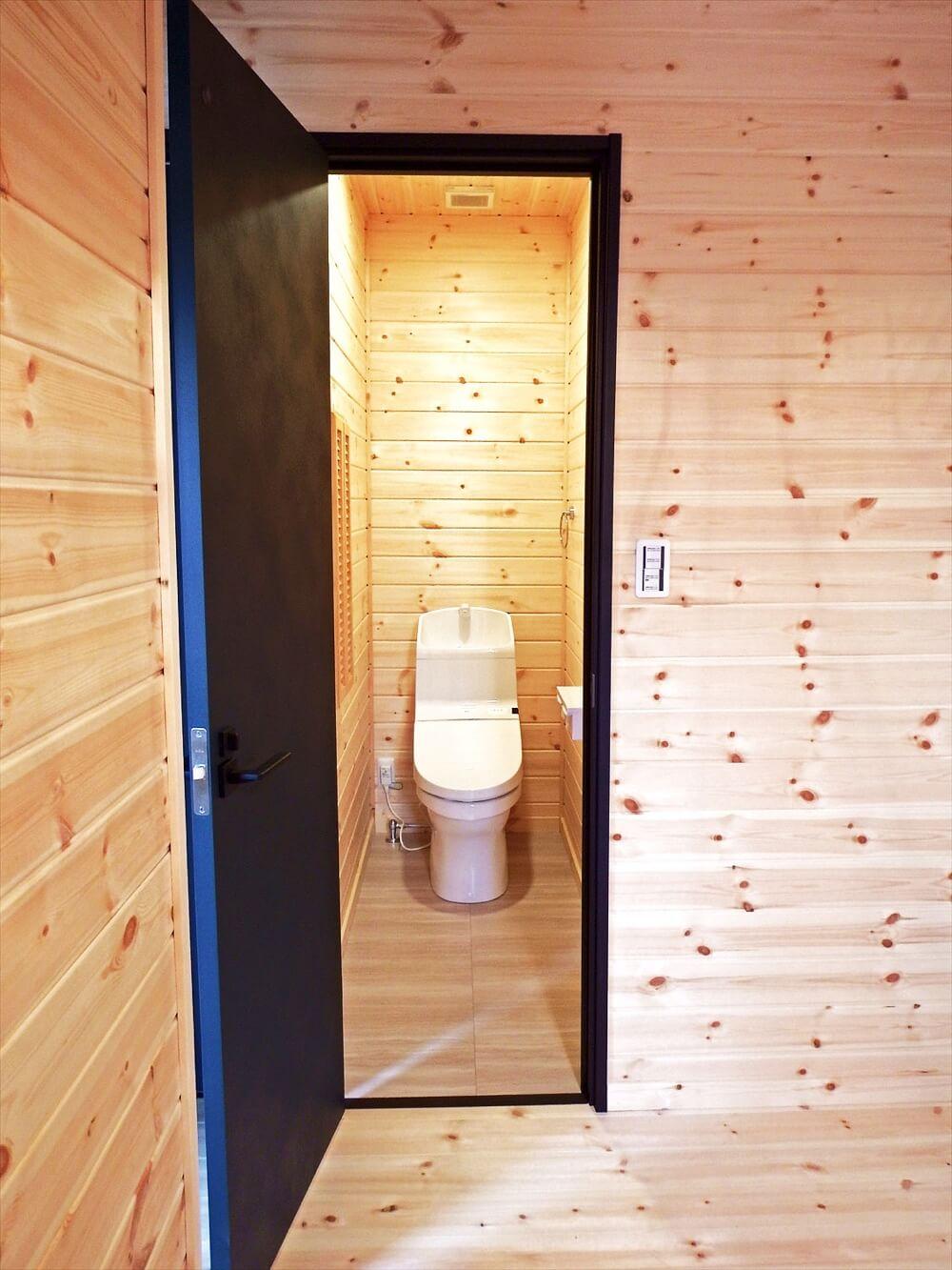 サーファーズハウス平屋のトイレ|長生村の注文住宅,ログハウスのような木の家を低価格で建てるならエイ・ワン