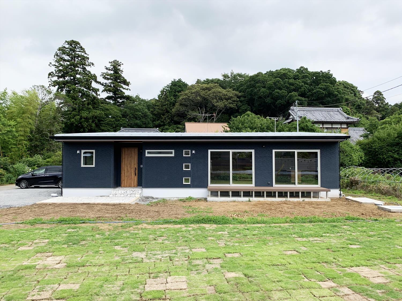 無垢材を使用した広いLDKがある長期優良住宅の外観2|茨城県行方市の注文住宅,ログハウスのような木の家を低価格で建てるならエイ・ワン