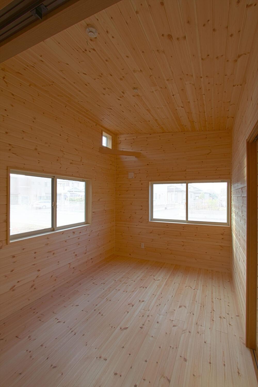 ログハウス風平屋の部屋|つくばみらい市の注文住宅,ログハウスのような低価格住宅を建てるならエイ・ワン