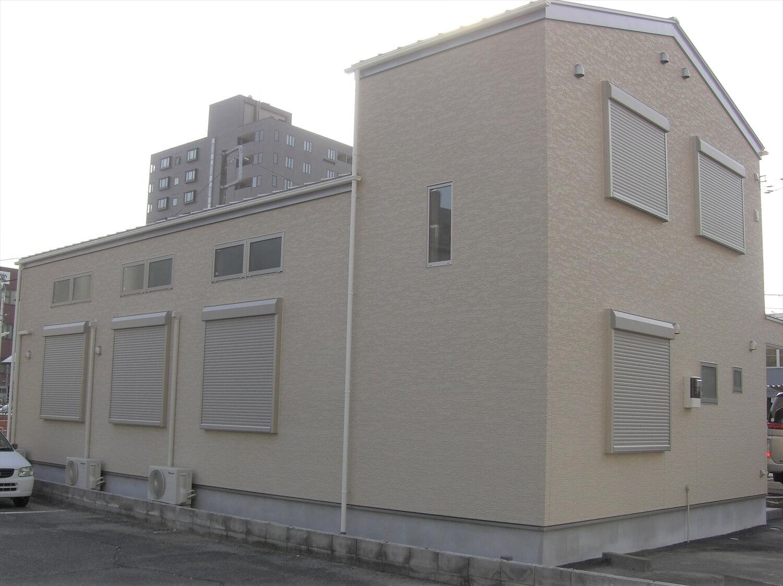 二階建てのバレエスクールの外観横|水戸市の注文住宅,ログハウスのような低価格住宅を建てるならエイ・ワン
