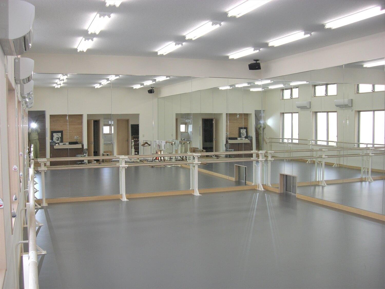 二階建てのバレエスクールの練習場1|水戸市の注文住宅,ログハウスのような低価格住宅を建てるならエイ・ワン