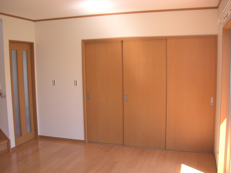 和室付き二階建ての広い収納|水戸市の注文住宅,ログハウスのような低価格住宅を建てるならエイ・ワン