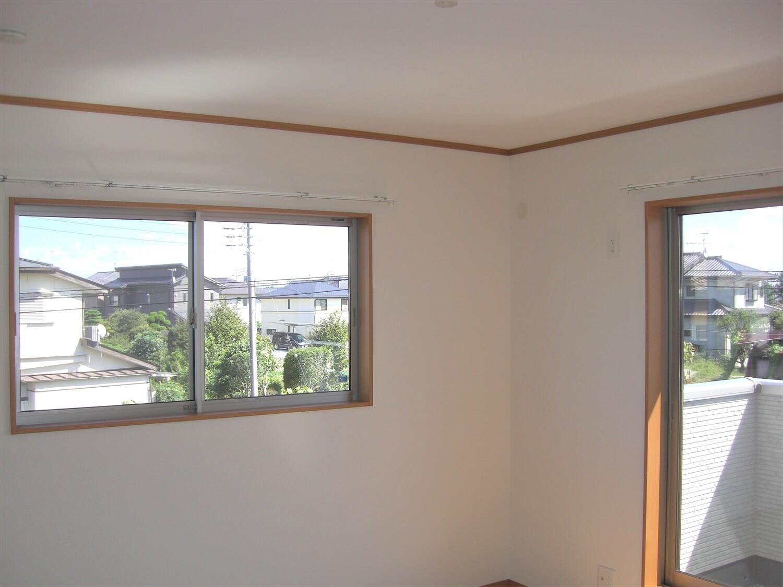 和室付き二階建ての窓|水戸市の注文住宅,ログハウスのような低価格住宅を建てるならエイ・ワン