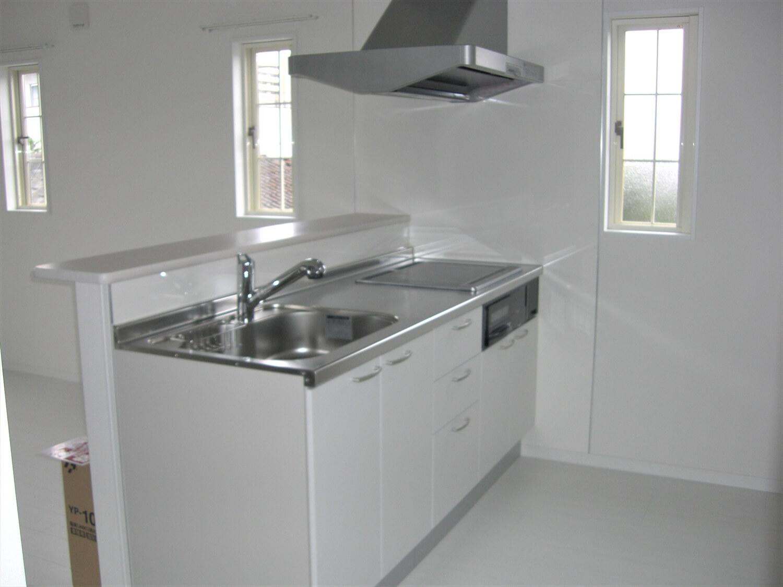 アパートタイプの二階建てのキッチン|水戸市の注文住宅,ログハウスのような低価格住宅を建てるならエイ・ワン