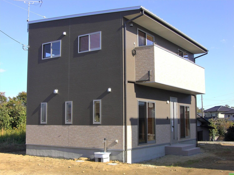 モダンな二階建ての外観|水戸市の注文住宅,ログハウスのような低価格住宅を建てるならエイ・ワン