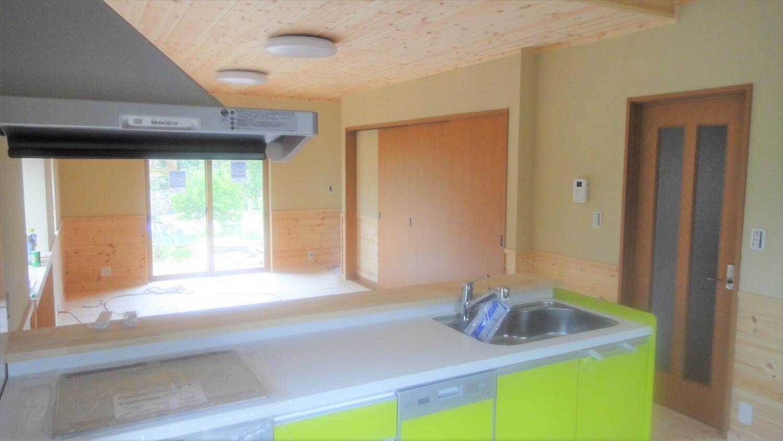和モダン二階建てのキッチン|行方市の注文住宅,ログハウスのような低価格住宅を建てるならエイ・ワン
