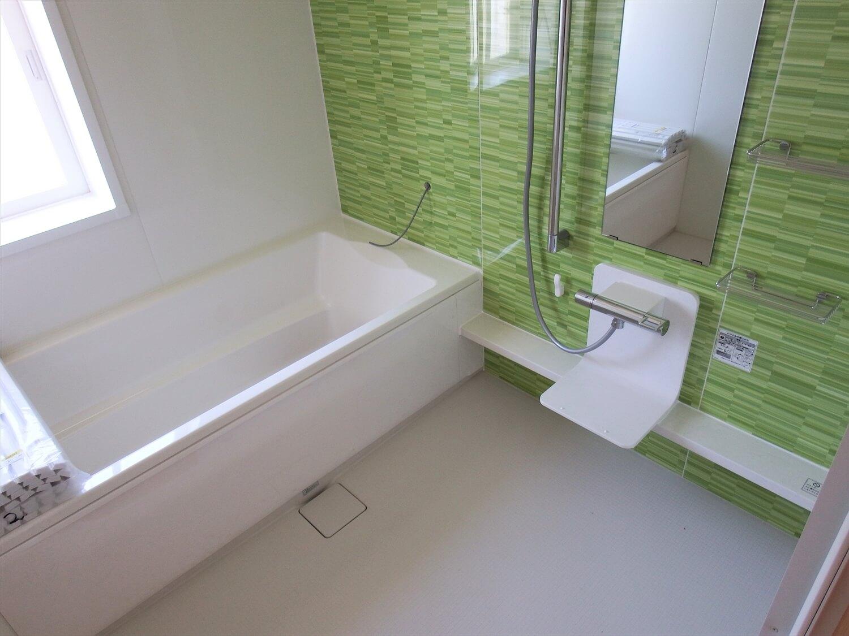 和室付き二階建てのバスルーム|行方市の注文住宅,ログハウスのような低価格住宅を建てるならエイ・ワン