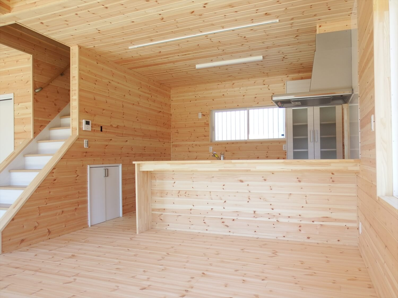 和室付き二階建てのダイニングキッチン|行方市の注文住宅,ログハウスのような低価格住宅を建てるならエイ・ワン