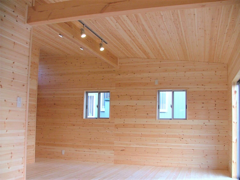 シンメトリー住宅の内装|袖ヶ浦市の注文住宅,ログハウスのような低価格住宅を建てるならエイ・ワン