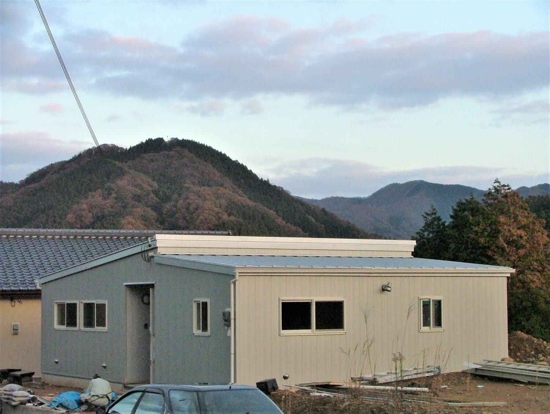 内装無垢材張りの平屋の外観|綾部市の注文住宅,ログハウスのような低価格住宅を建てるならエイ・ワン