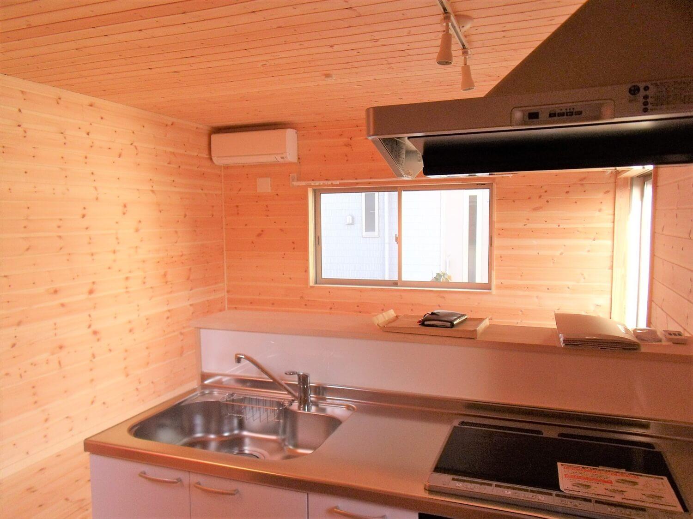 賃貸タイプの二階建てのキッチン|つくばみらい市の注文住宅,ログハウスのような低価格住宅を建てるならエイ・ワン