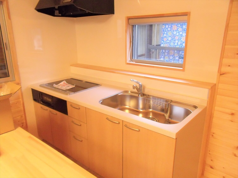 都内の無垢材住宅のキッチン|大田区の注文住宅,ログハウスのような低価格住宅を建てるならエイ・ワン