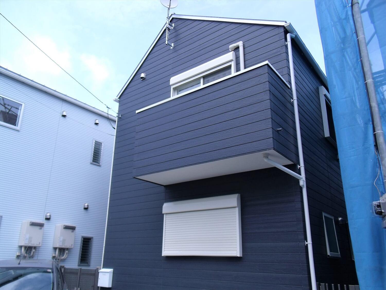 エレベーター付き二階建ての外観|大田区の注文住宅,ログハウスのような低価格住宅を建てるならエイ・ワン