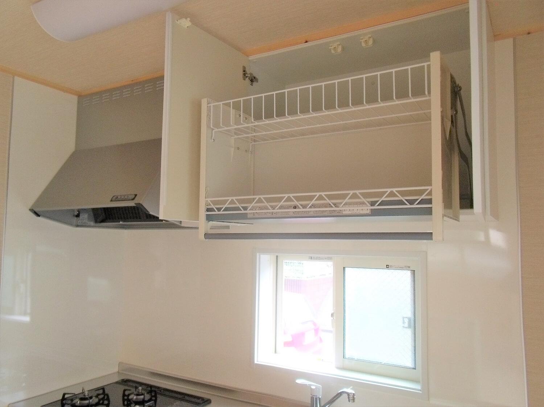 収納たっぷり二階建てのキッチン収納|横浜市の注文住宅,ログハウスのような低価格住宅を建てるならエイ・ワン