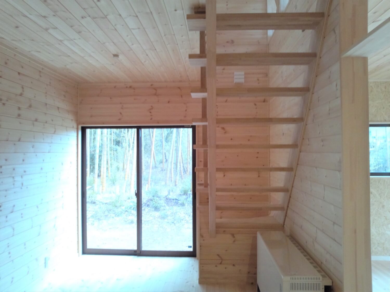 二階リビング住宅の居室 印西市の注文住宅,ログハウスのような低価格住宅を建てるならエイ・ワン