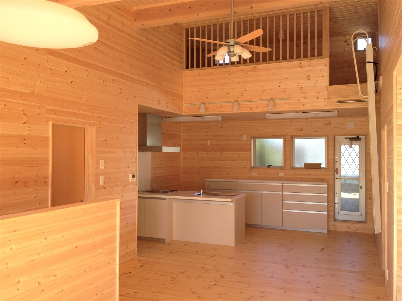 完全分離型の二世帯住宅のLDK|さいたま市の注文住宅,ログハウスのような低価格住宅を建てるならエイ・ワン