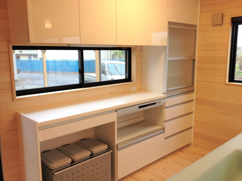 バリアフリー住宅のキッチン収納|つくば市の注文住宅,ログハウスのような低価格住宅を建てるならエイ・ワン