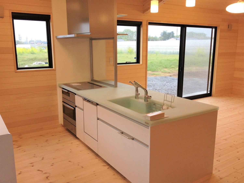 バリアフリー住宅のキッチン|つくば市の注文住宅,ログハウスのような低価格住宅を建てるならエイ・ワン