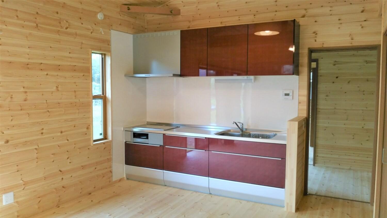 ロフト付平屋のキッチン|勝浦市の注文住宅,ログハウスのような低価格住宅を建てるならエイ・ワン