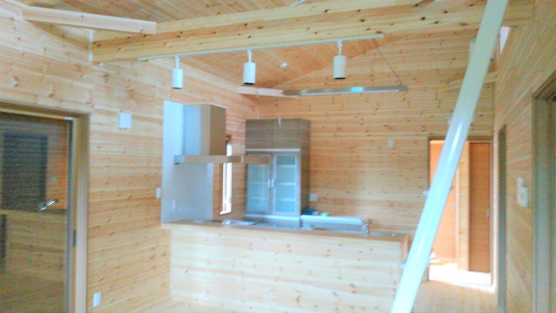 ロフト付きの平屋のキッチン|鹿嶋市の注文住宅,ログハウスのような低価格住宅を建てるならエイ・ワン