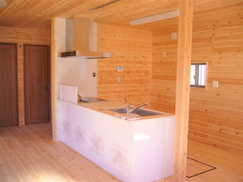 造作収納付き二階建てのキッチン|水戸市の注文住宅,ログハウスのような低価格住宅を建てるならエイ・ワン
