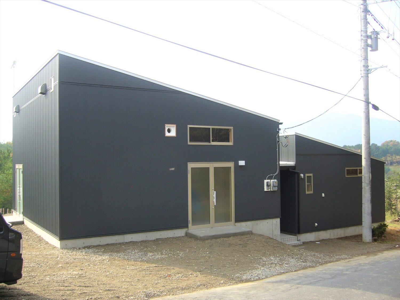 作業場のあるの平屋の外観|石岡市の注文住宅,ログハウスのような低価格住宅を建てるならエイ・ワン