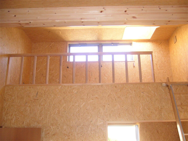 二階建ての作業所のロフト|鹿嶋市の注文住宅,ログハウスのような低価格住宅を建てるならエイ・ワン