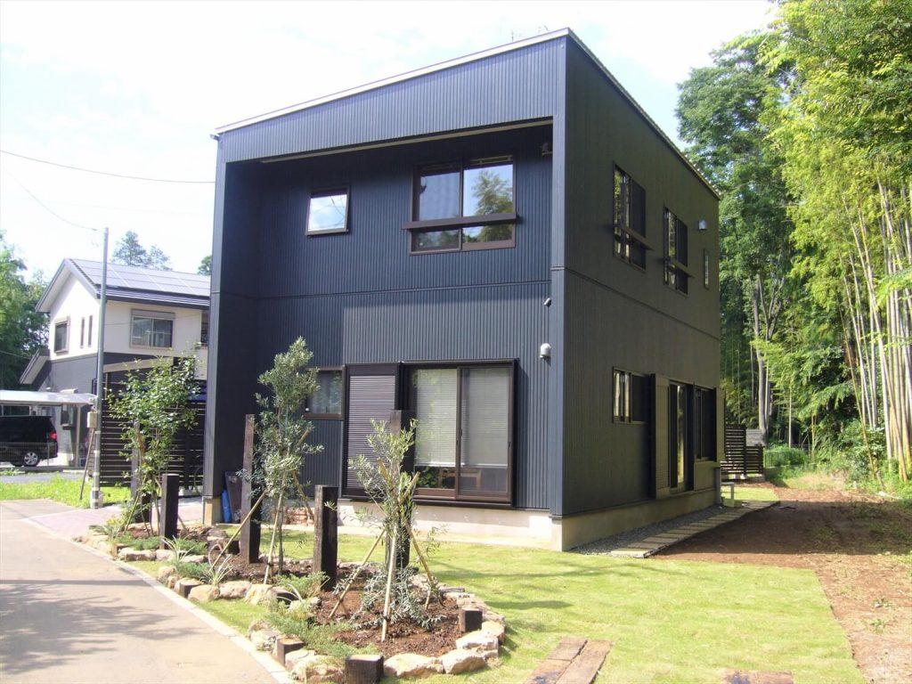 二階リビング住宅の外観正面|印西市の注文住宅,ログハウスのような低価格住宅を建てるならエイ・ワン