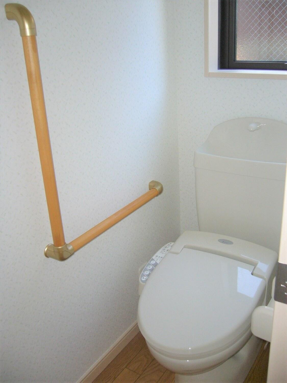 和室とロフトのある家のトイレ|横浜市の注文住宅,ログハウスのような低価格住宅を建てるならエイ・ワン