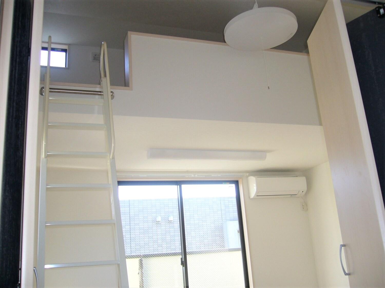 和室とロフトのある家のロフト階段|横浜市の注文住宅,ログハウスのような低価格住宅を建てるならエイ・ワン