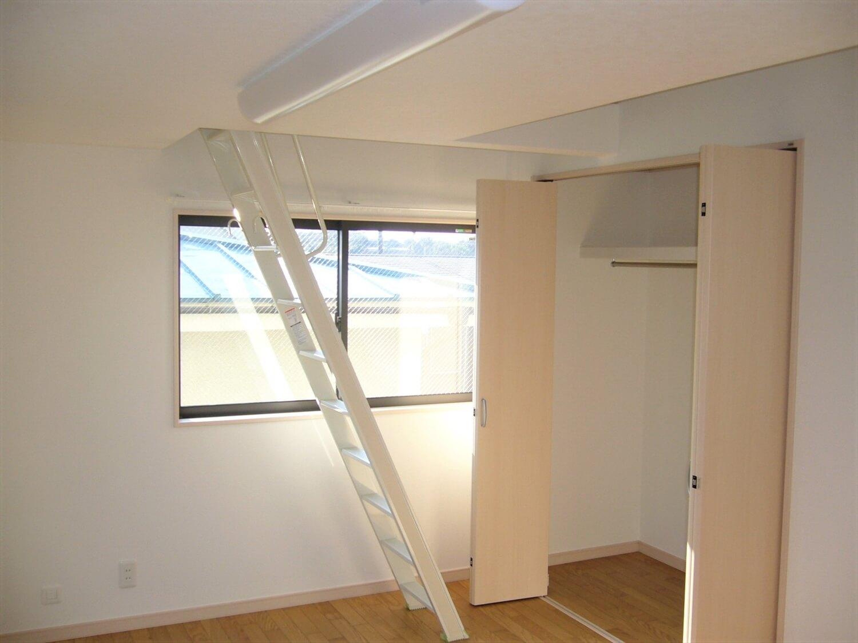 和室とロフトのある家の収納|横浜市の注文住宅,ログハウスのような低価格住宅を建てるならエイ・ワン