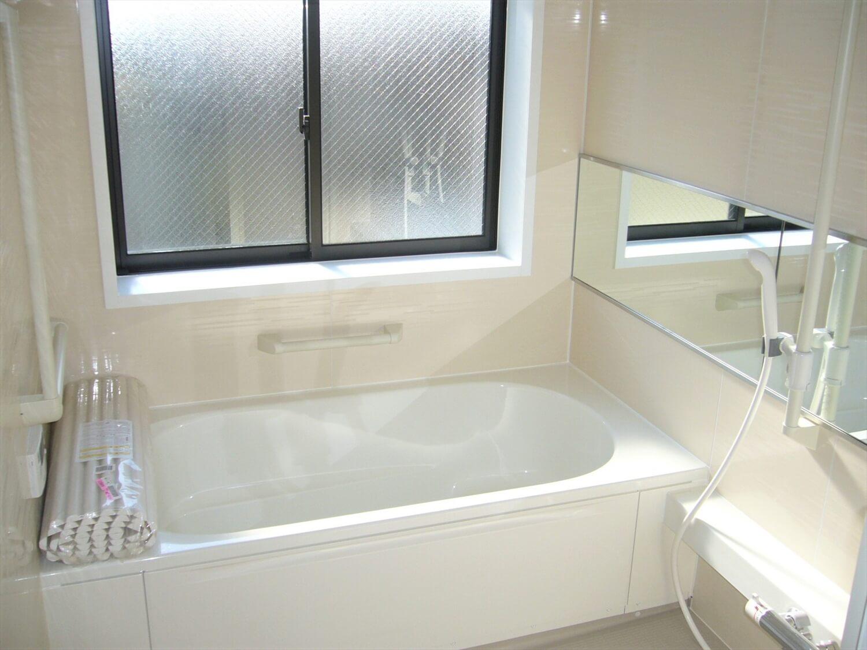 和室とロフトのある家のバスルーム|横浜市の注文住宅,ログハウスのような低価格住宅を建てるならエイ・ワン