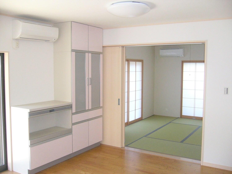 和室とロフトのある家のリビング|横浜市の注文住宅,ログハウスのような低価格住宅を建てるならエイ・ワン