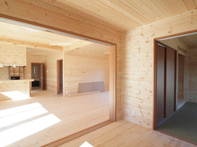 掘りごたつのある平屋の内装|行方市の注文住宅,ログハウスのような低価格住宅を建てるならエイ・ワン